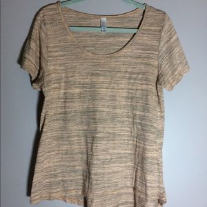 LuLaRoe short sleeve t-shirt